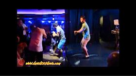 David bailando en la discoteca del Epic
