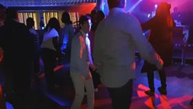 David de marcha en una discoteca